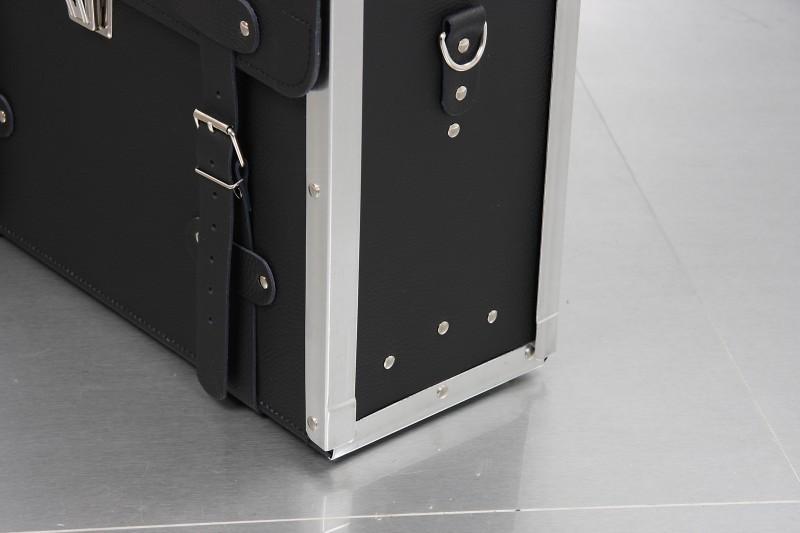 elektriker werkzeugkoffer aus rindleder. Black Bedroom Furniture Sets. Home Design Ideas